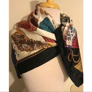 Vintage AVON Fans of the world Scarf.